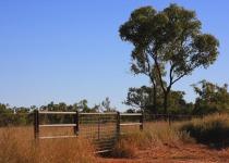 Bob Hawke involved in selling Australian farm land off to China