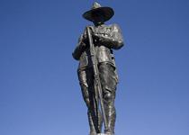 Cenotaph should remain apolitical